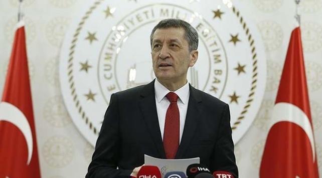 """Milli Eğitim Bakanı Ziya Selçuk, """"30 bin siperi, sağlık çalışanlarımıza ulaştırdık"""""""
