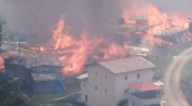 Artvin Yusufeli'nde 30'a yakın ev yandı