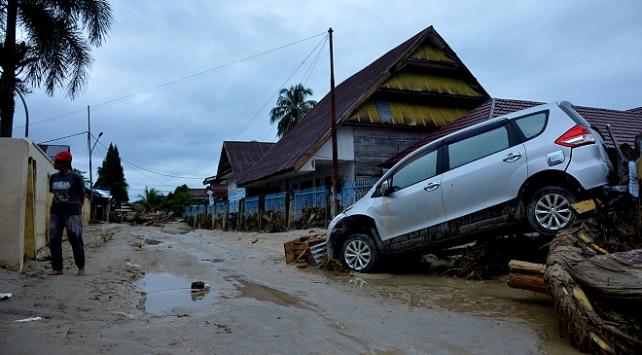 Endonezya'da selde ölü sayısının 25'e yükseldi