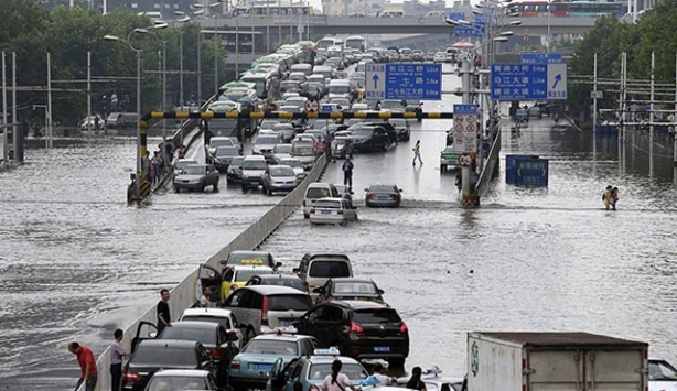 Çin'de sel ve toprak kaymalarında 14 kişi hayatını kaybetti.