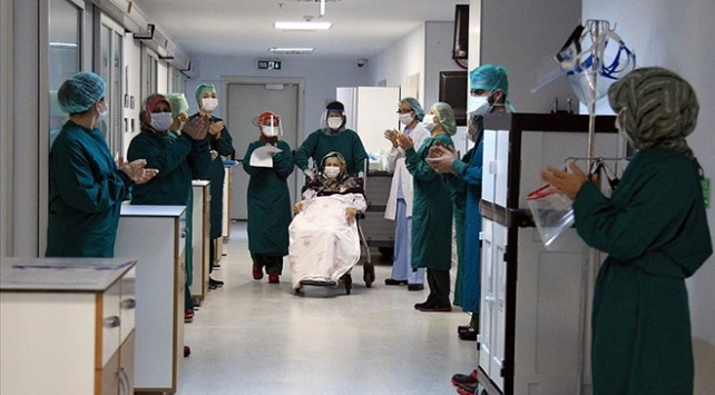 Türkiye'de iyileşenlerin sayısı 205 bin 214'e yükseldi