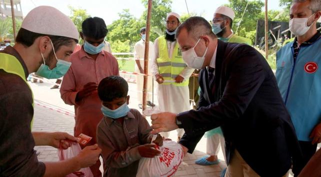 Pakistan'da kurban hisseleri ihtiyaç sahiplerine ulaştırıldı.
