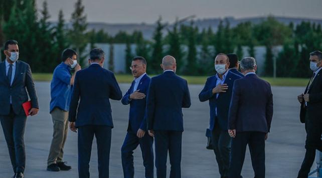Cumhurbaşkanı Yardımcısı Oktay ve Bakan Çavuşoğlu Türkiye'de
