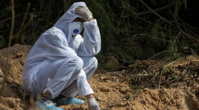 Hindistan'da son 24 saatte 83 bin 341 yeni vaka, 1096 ölüm