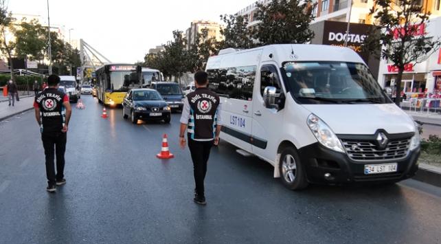 İstanbul'da minibüslerde Covid-19 denetimi