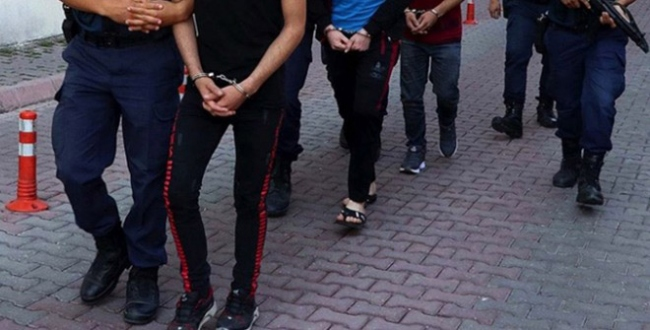 Adana'da zehir tacirlerine operasyon: 7 gözaltı