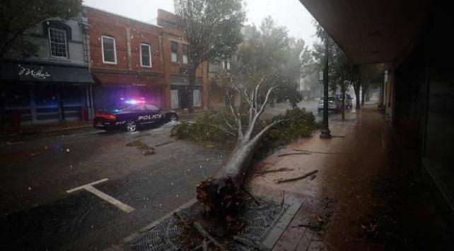 ABD'de Delta Kasırgası yüz binlerce kişiyi elektriksiz bıraktı