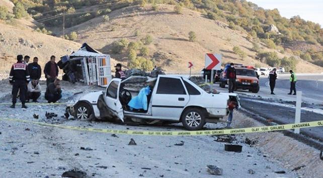 Yozgat'ta tır ile otomobil çarpıştı: 1 ölü, 1 yaralı