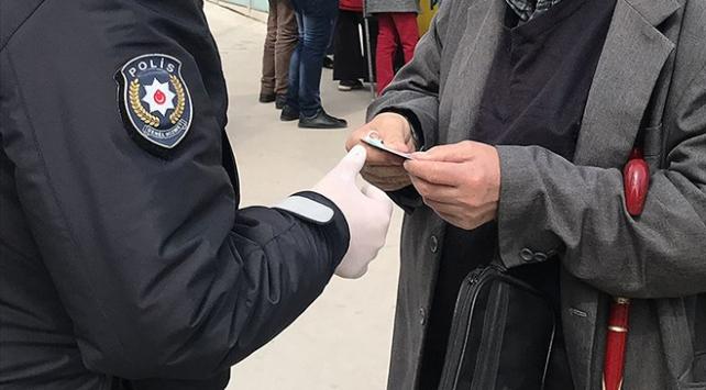 Kocaeli'de tedbirlere uymayan 230 kişiye para cezası