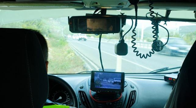 Hız sınırını aşan 39 bin 209 sürücüye ceza