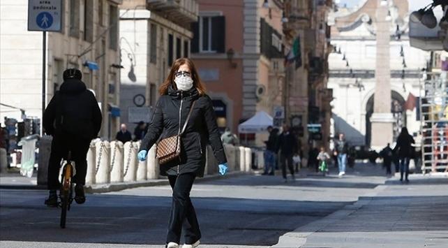 İtalya'da son 24 saatte 17 bin 12 yeni vaka