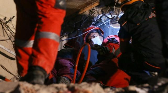 4 kişi daha enkazdan sağ olarak kurtarıldı
