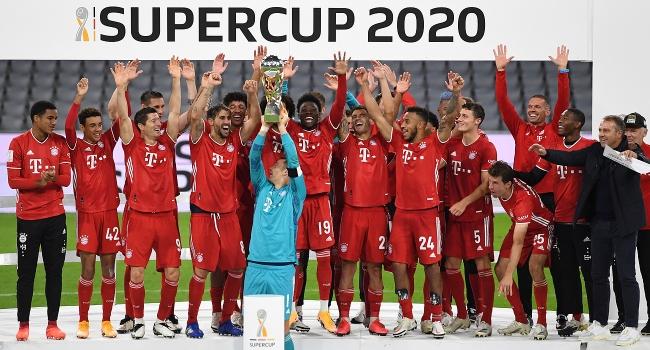 Bayern Münih, Almanya Süper Kupası'nı müzesine götürdü