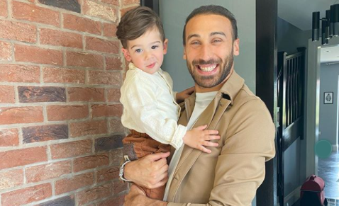 Cenk Tosun oğlunun doğum gününü kutladı