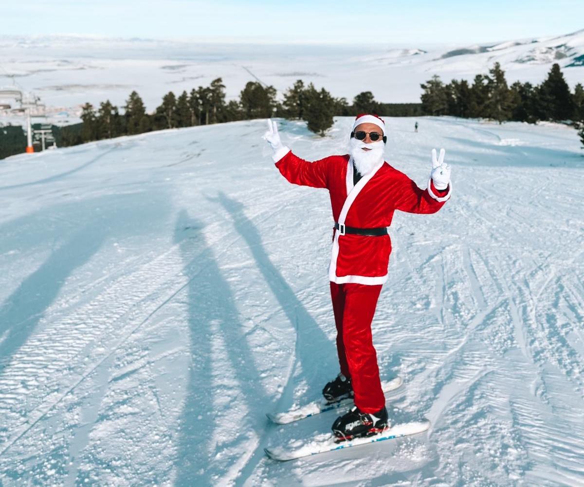 Ozan Aras Noel Baba olarak pistlerde!