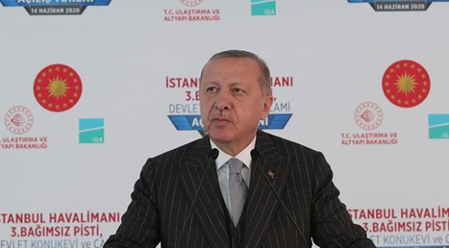 """Cumhurbaşkanı Recep Tayyip Erdoğan, """"Maske, mesafe, temizlik buna dikkat edelim"""