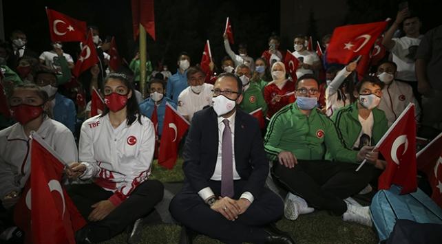 "Meclis'teki ""demokrasi nöbeti"" sona erdi"