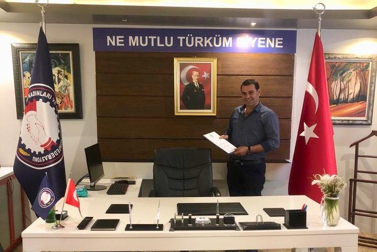 SANKON Samsun Canik ilçe başkanı iş Adamı Adem Ayvaz Kalp krizi geçirerek hayatını kaybetti.